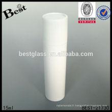 Bouteille cosmétique blanche de boule de rouleau de 15ml avec le chapeau blanc, rouleau vide sur la bouteille cosmétique, bouteille en plastique avec le rouleau