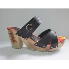 Estilo novo de sandálias das mulheres da cunha (HCY03-082)
