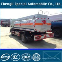 China HOWO 4 * 2 tipo 160HP 9000 litros combustible Vehicleing carro
