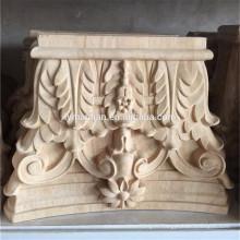 Chapiteaux en bois sculptés à la main