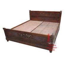 Doppelbett mit Designs