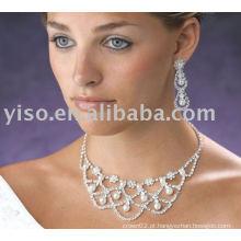 Conjunto de jóias com colar de strass