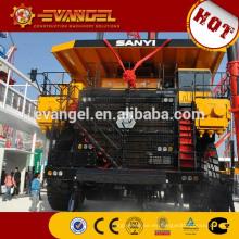 Camión volquete minero grande con alto rendimiento