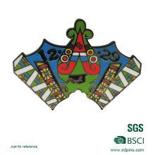 Emblema personalizado da escola do ouro do esmalte