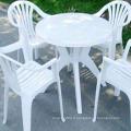Des tables et des chaises spéciales pour les grands stalles moulent le moule en plastique par injection