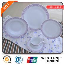 Conjunto de jantar de cerâmica em forma redonda