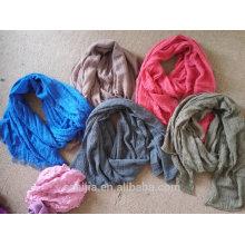 L'écharpe en coton décoloré