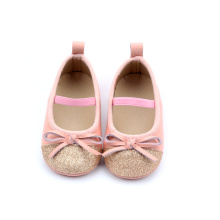 Rosa Babykleid Mary Jane Schuhe