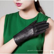 Robe de mode féminine Carving gants en cuir avec des photos