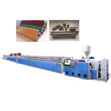 Machine de plaque de panneau de mousse de plastique PVC bois