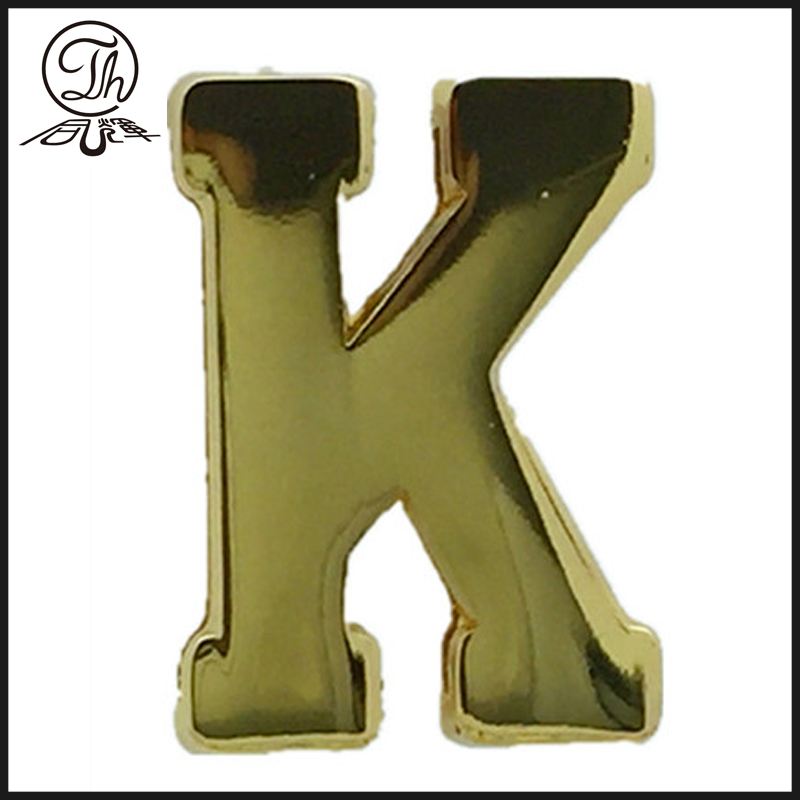 A metal letter charm clip for Apparel accessory