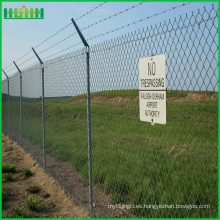 Cadena de enlace de malla de alambre de cerca del aeropuerto