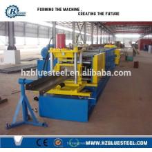 Structure en acier Utilisation du toit C / Z Machine de formage de rouleaux Purlin, équipement de formage de rouleaux automatique