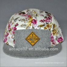 Sombrero colorido del panel 5