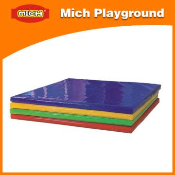 Estera de la esponja del patio de interior suave colorido con la cubierta del PVC