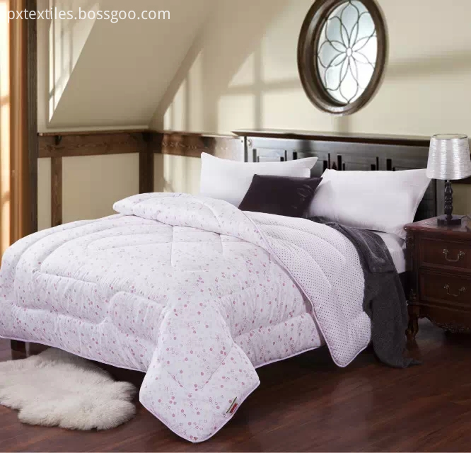 Queen Size Bedspreads and Quilts