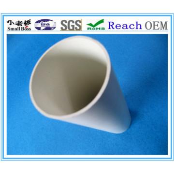 Tubo de PVC blanco