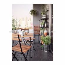 Gran diseño para los muebles al aire libre en el jardín