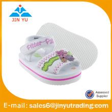 Sandalias suaves del bebé de la sandalia del eva