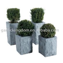 Pot de jardin en pierre calcaire