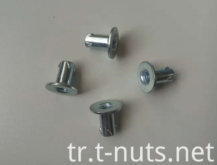 propeller locking tee nut