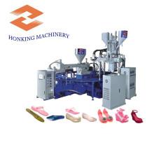 3 chaussures de gelée de couleur faisant la machine