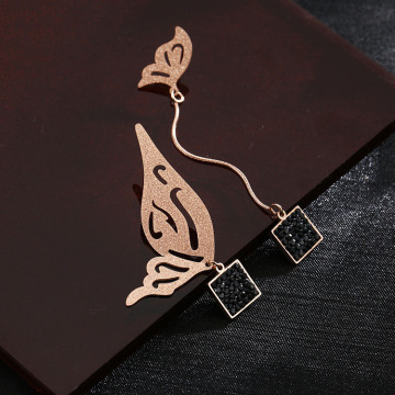 Asymmetrical rose gold butterfly drop earrings untuk anak perempuan