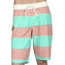 Venta al por mayor negro blanco mens Boardshorts diseñar su propio tablero cortos