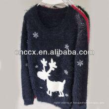 A jovem corça 13STC5348 caçoa a camisola do Natal