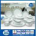 Dernier produit chinois Royal nouvelle vaisselle en céramique de luxe osier 141PCS plats avec bordure d'or