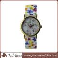 Relógio colorido e promocional para senhora