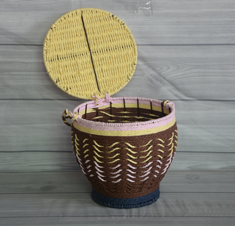 weaving basket with lid