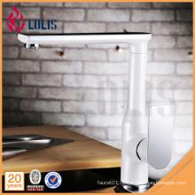 360 Grad drehen weiße Malerei flexibler Einhebel Wasser Grat Küche Waschbecken Wasserhahn