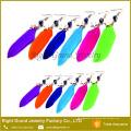 2017 pendiente caliente del encanto de la venta para el pendiente pendiente del metal de la pluma de la mujer