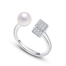 Zircon cuadrado de plata esterlina y anillo de nudillo de perla cultivada