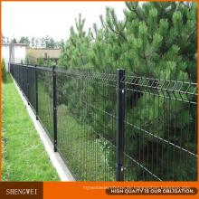 Qualität geschweißter Maschendraht-Zaun mit Trangle-Biegungen und quadratischem Beitrag von Anping