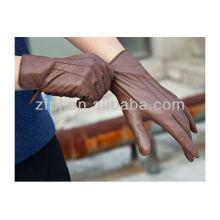 Senhora vestindo novo estilo palma luva de couro cheia