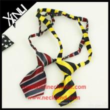 Cravate et cravates d'animal familier de polyester en gros pour des chiens