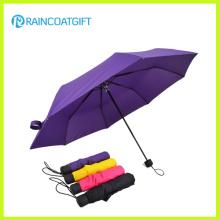 Guarda-chuva dobrando relativo à promoção feito sob encomenda e anunciando pequeno do bolso