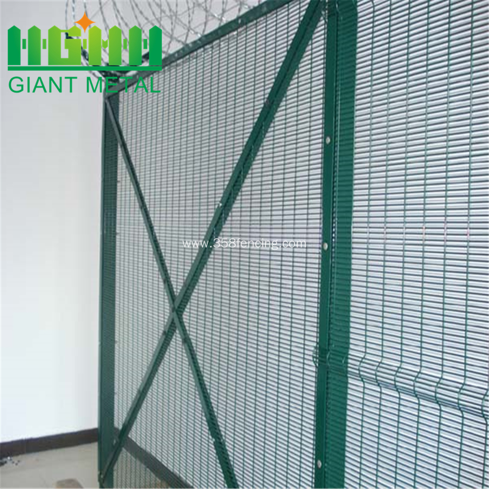 358 Airport Welded Wire Mesh security Fence China Manufacturer