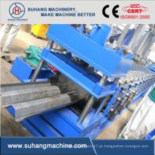 Máquina formadora de rolos de proteção para vias expressas