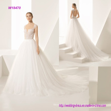 a Beautiful Natural Tulle Volume Princess Wedding Dress with a Cut Basque Charming Heart Through The Mesh Belt and Original Backless Cleavage