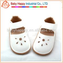 Оптовые белые детские скрипучие ботинки сандалии PU детская обувь