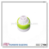 Wholesale hot sale kitchen accessories 3 colours cake coupler for Russian piping tips