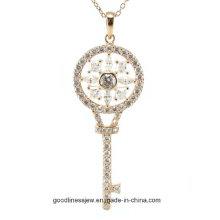 Design especial e clássico mulheres quentes moda chave forma colar de pingente de prata (p5065)