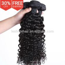 Venda al por mayor el pelo rizado rubio brasileño natural de la armadura de la miel de la Virgen del 100% humano