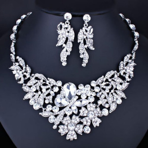 Crystal Pageant Necklace Set In Green Color