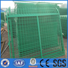 Wire Mesh Fence Dengan permukaan PVC