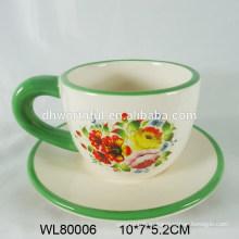 Керамическая чашка эспрессо и блюдце