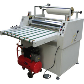 Machine de laminage de films pneumatiques